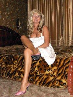 baise de cougar baise jeune blonde